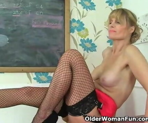 British MILF Ila Jane can..