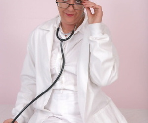 Lubricous mature doctor in..