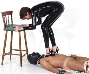 Full-grown femdom hither..